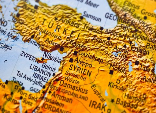 Armia turecka rozprasza protestujacych