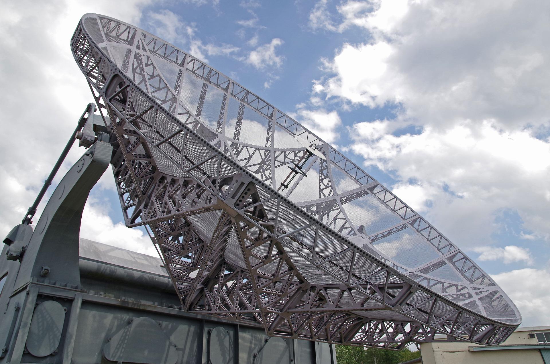 Iran wystrzelil pierwszego satelite wojskowego