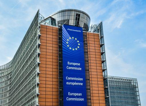 Komisarz UE migranci czynia nas bogatszymi